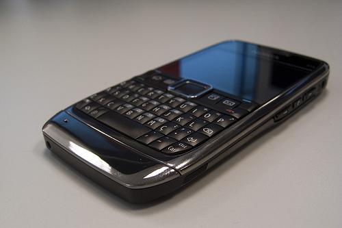 Nokia E71 em review. Análise leve.