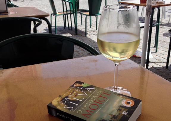 Um copo de vinho branco com o meu amigo Daniel