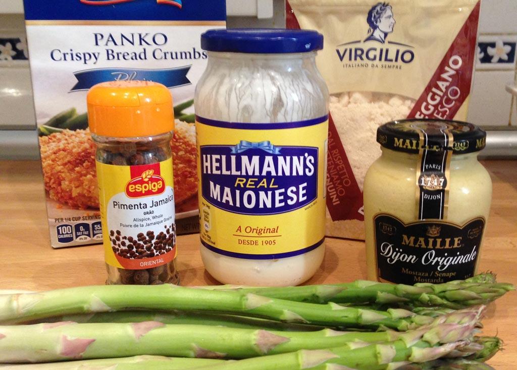 Ingredientes para os Espargos Enpankados
