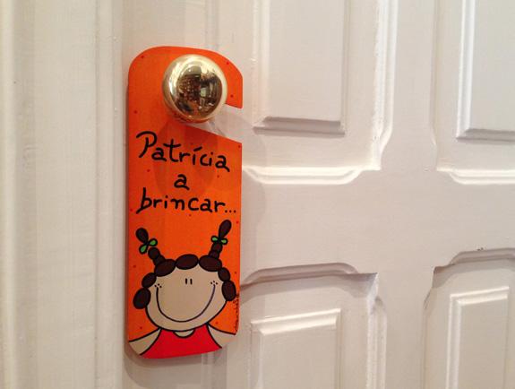 A porta do quarto da Patrícia