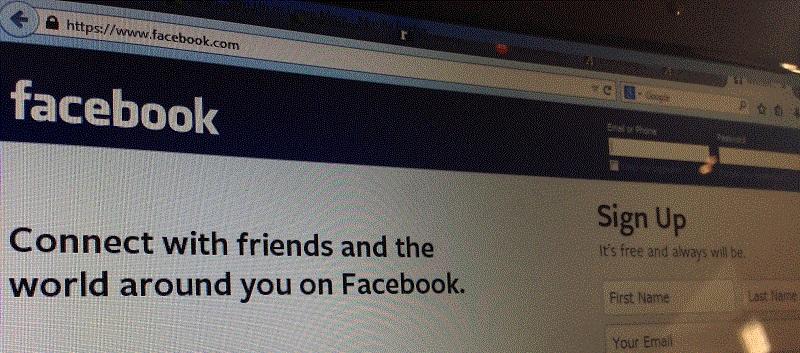 Facebook a manipular emoções?