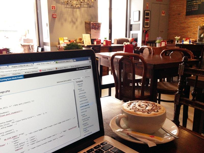 Trabalhar ao Sábado no Brick Café Pedro Rebelo